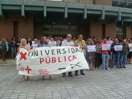 Los sindicatos de la UC exigen extender las medidas para estabilizar el empleo público a 600 empleados no docentes