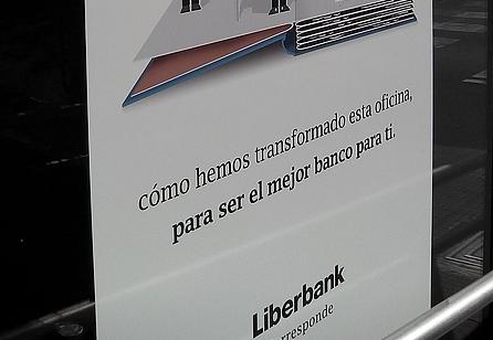 Liberbank se publicita como 'el mejor' banco para sus clientes pese a la creciente conflictividad del banco con sus clientes y empleados