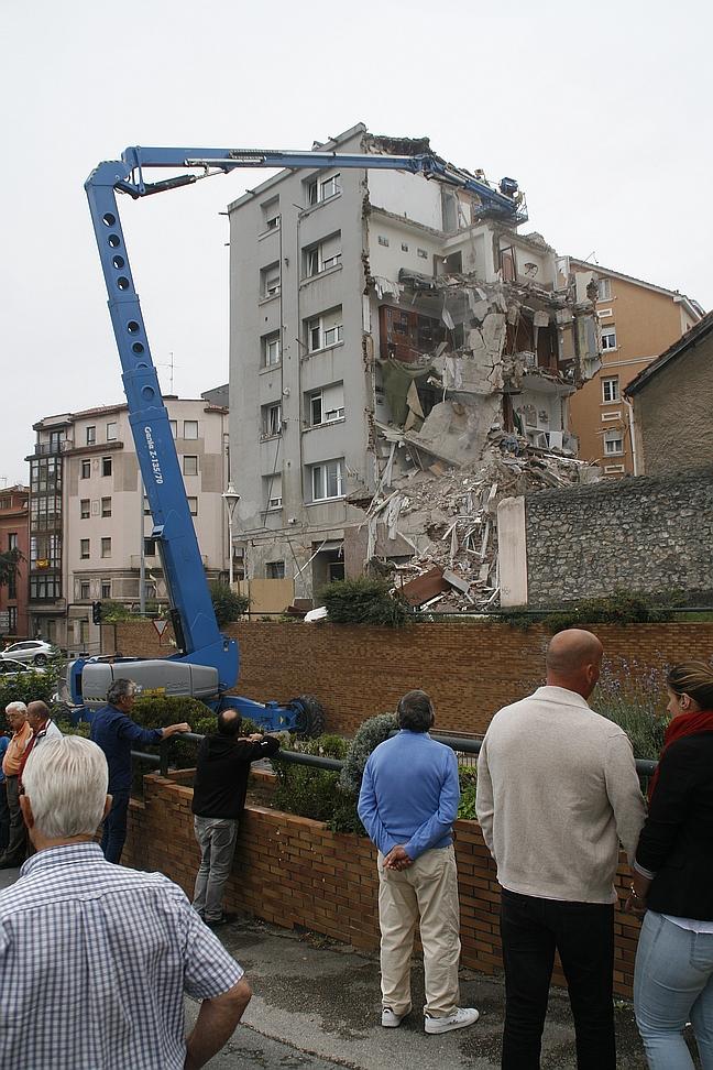 Derrumbe parcial del número 57 de la calle del Sol / (C) CANTABRIA DIARIO - David Laguillo
