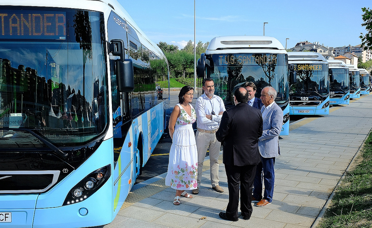 El TUS incorpora seis nuevos autobuses híbridos