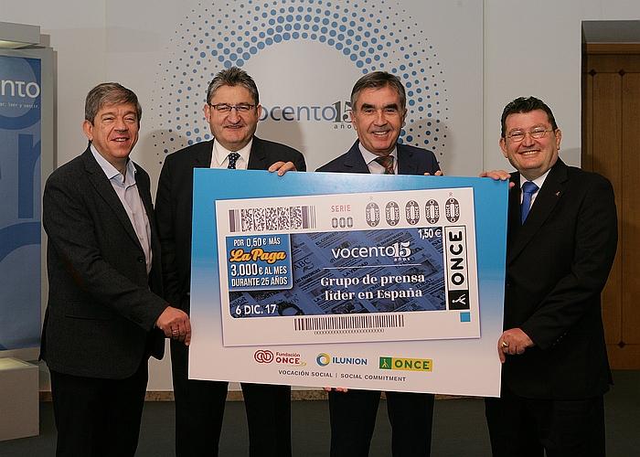 El cupón de la ONCE celebra el 15 aniversario de Vocento - Antonio Mayor, Óscar Campillo, Iñaki Arechabaleta y Ángel Sánchez