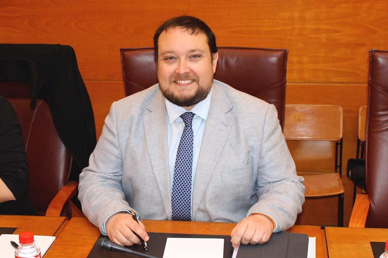 Rubén Gómez, portavoz parlamentario del partido Ciudadanos - Cs Cantabria critica que las partidas destinadas a Sodercan 'no quedas claras' especialmente en adquisición de acciones e investigación