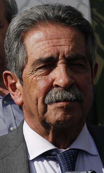 Revilla apoya la campaña de recogida promovida por el Banco de Alimentos Infantiles - Miguel Ángel Revilla en una imagen de archivo (C) CANTABRIA DIARIO