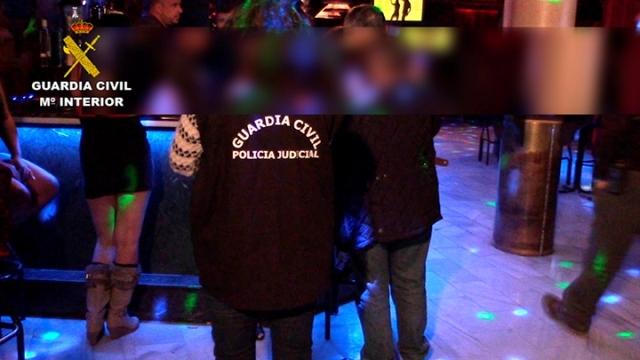 La Guardia Civil libera a dos menores de edad que se encontraban en un club de alterne de Toledo