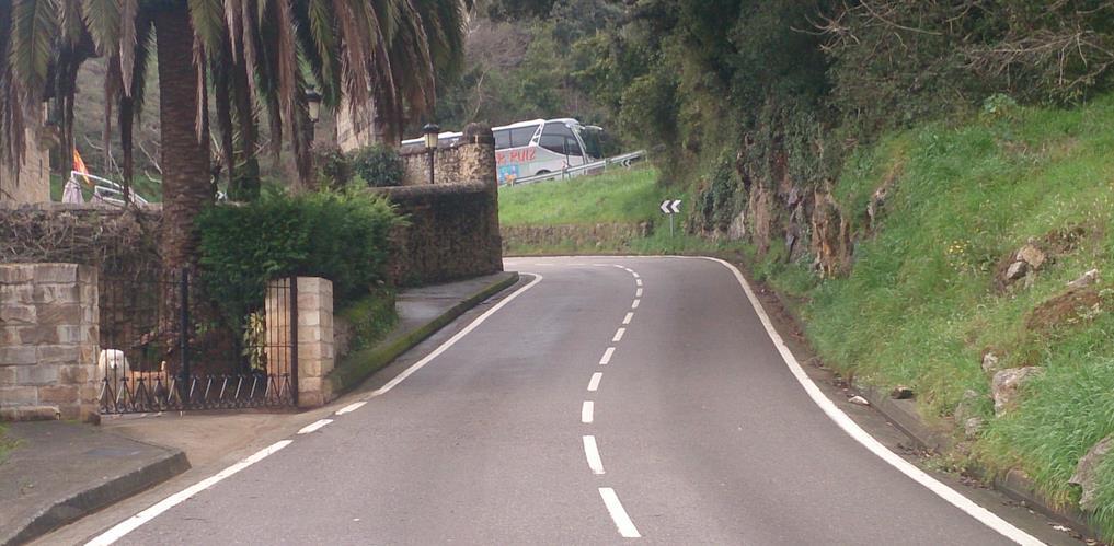 Cs Piélagos solicita que se revise la señalización de la carretera que une Arce y Boo de Piélagos para aumentar la seguridad