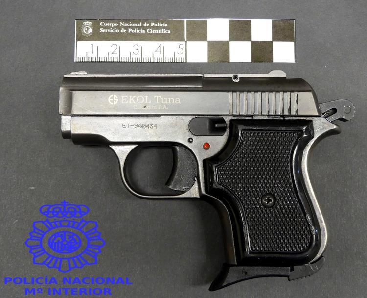 Detenido por tenencia ilícita de armas, lesiones, amenazas y daños