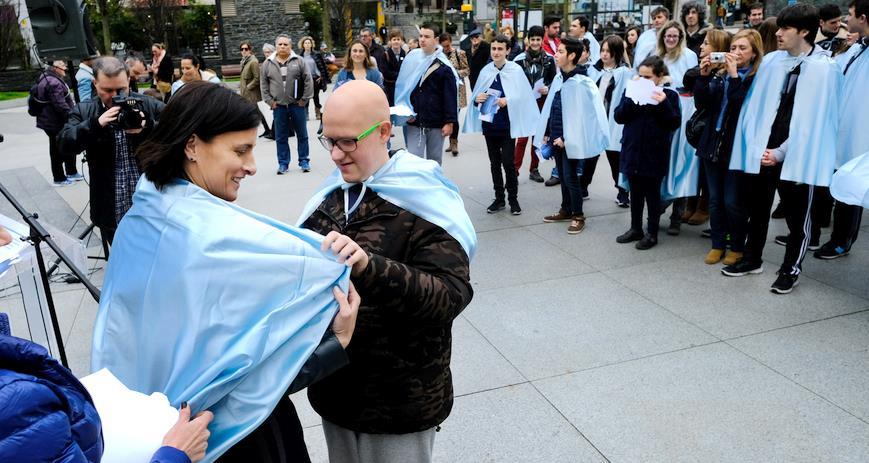 Santander se tiñe de azul para conmemorar el Día Mundial de Concienciación sobre el Autismo