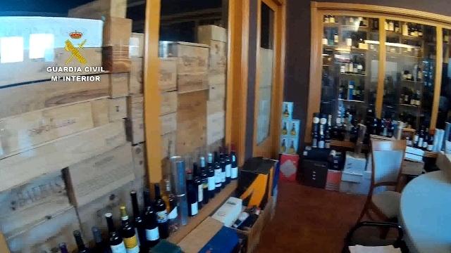 La Guardia Civil desmantela una organización dedicada a la producción y venta de vinos falsificados