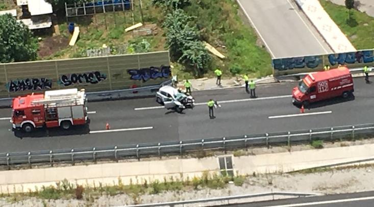 Un fallecido y dos heridos leves en un accidente producido en la A-8 a la altura de Santa María de Cayón