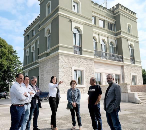 El centro cultural Jado mejora su imagen tras la rehabilitación de la fachada y la cubierta