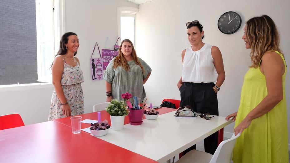 Santander cede un local a la asociación Mujeres Jóvenes Cantabria (MUJOCA)