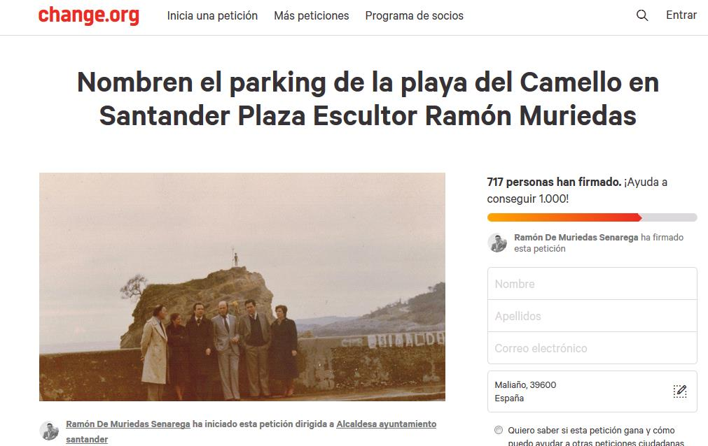 Familia y amigos del escultor Ramón Muriedas piden un homenaje en la zona de la playa del Camello