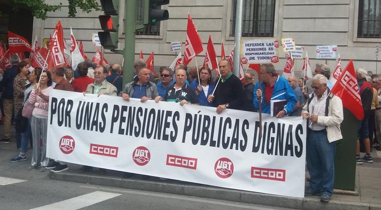 """UGT y CCOO seguirán en la calle porque la situación """"no ha cambiado mucho"""" en las pensiones"""