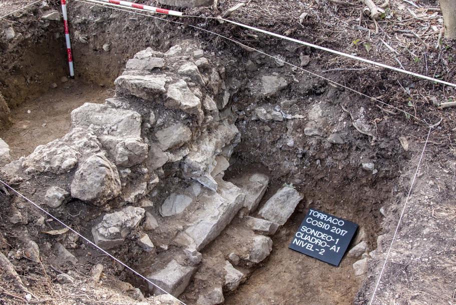 Hallados los restos de una fortificación del siglo XI en Cosío
