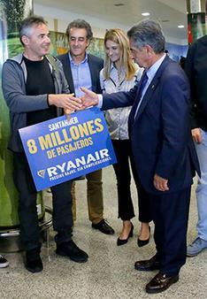 Revilla recibe al pasajero 8 millones de Ryanair