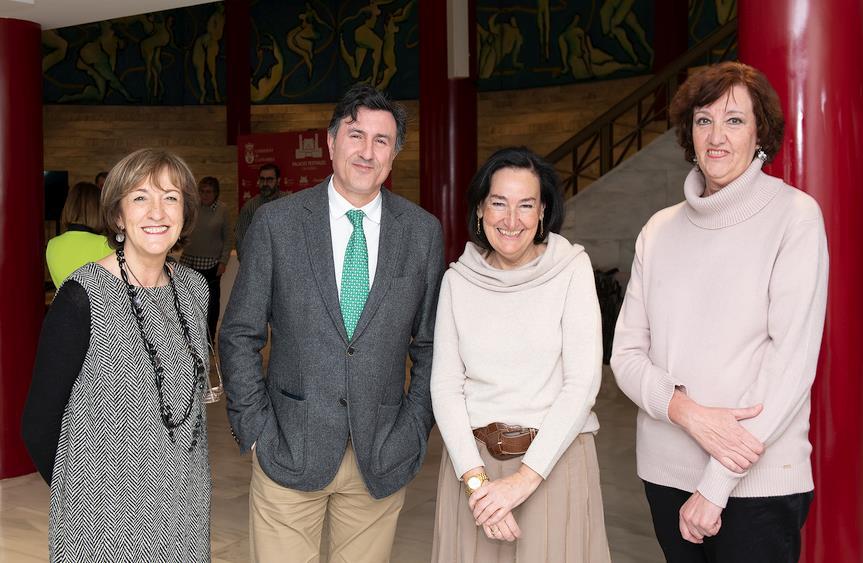 El fondo documental de Manuel de Cos se incorpora a la colección del Museo Etnográfico de Cantabria