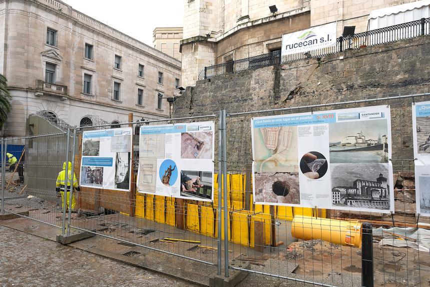 Cuatro paneles interpretativos acercan a los ciudadanos la excavación arqueológica de la calle Los Azogues y su contexto histórico