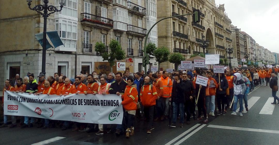 Santander acoge una manifestación por el futuro de SIDENOR