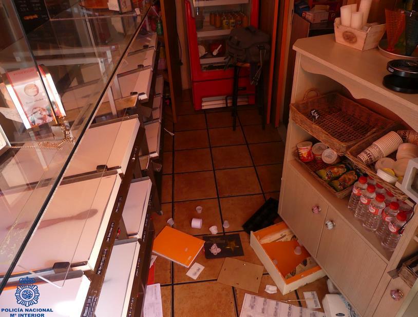 Detenido el autor del robo con fuerza en dos establecimientos comerciales