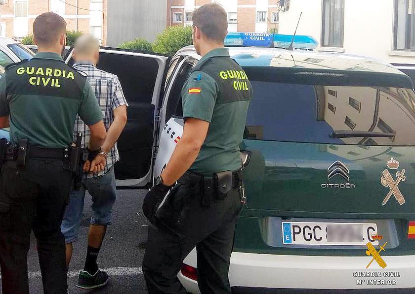 Detenido cerca de una discoteca de Castro Urdiales con distintas cantidades de drogas