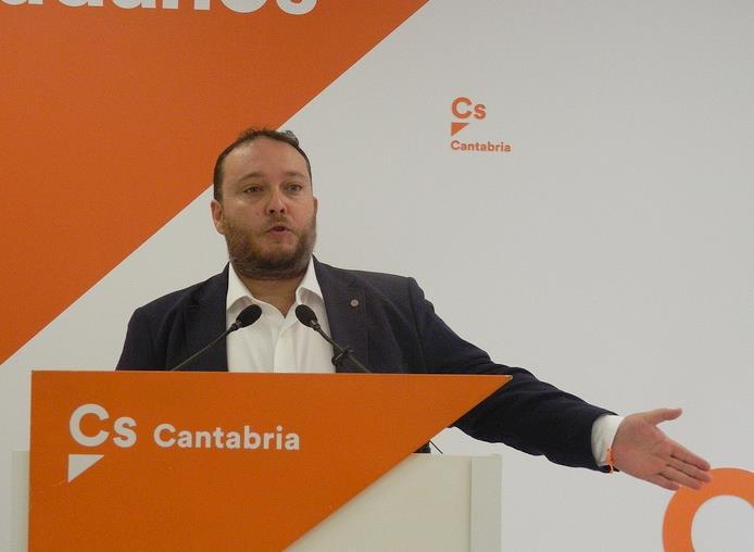 El diputado nacional de Cs por Cantabria, Rubén Gómez, insiste en el Congreso de los Diputados para obtener información acerca de los planes del Ministerio en relación a Vuelta Ostrera