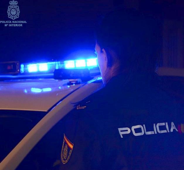 La Policía Nacional detiene a un hombre por robo con violencia en dos establecimientos del centro de Santander