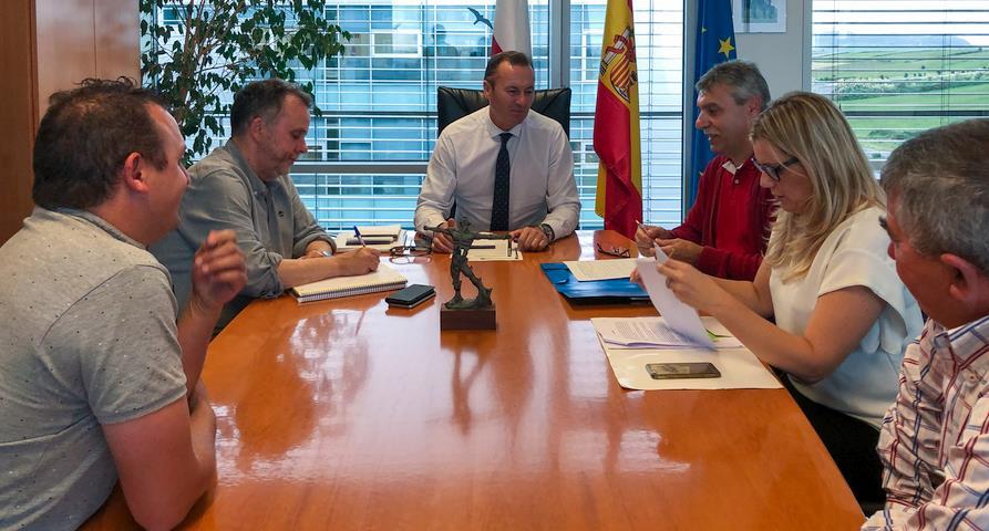 Blanco destaca el papel de la caza y la pesca en el desarrollo de las zonas rurales de Cantabria