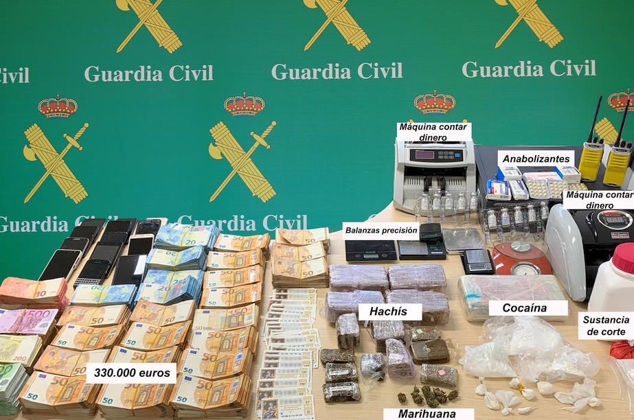 La Guardia Civil desarticula un grupo criminal dedicado al tráfico de drogas en Cantabria y Bizkaia