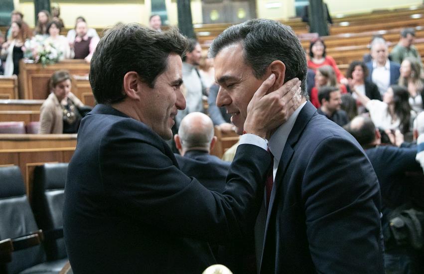 Pedro Casares y Pedro Sánchez - Foto PSOE