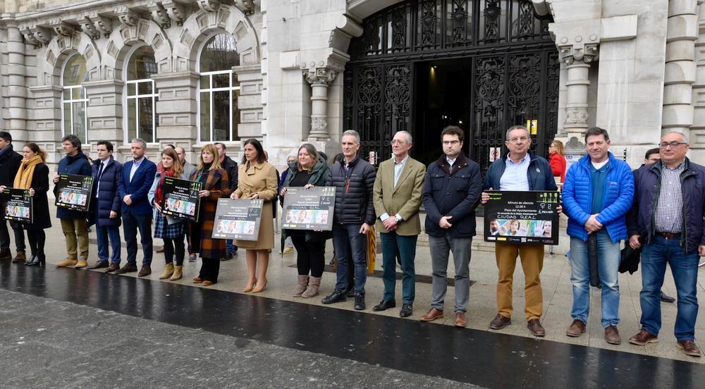 Santander recuerda y guarda un minuto de silencio por la mujer asesinada en Ciudad Real