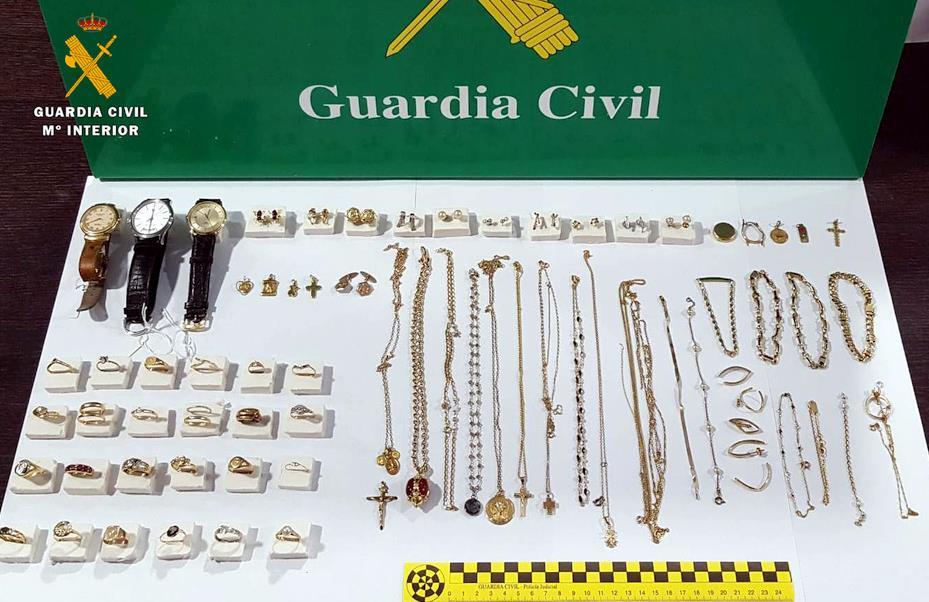 La Guardia Civil realiza una nueva detención por robos en viviendas y recupera más de 80 piezas de joyería