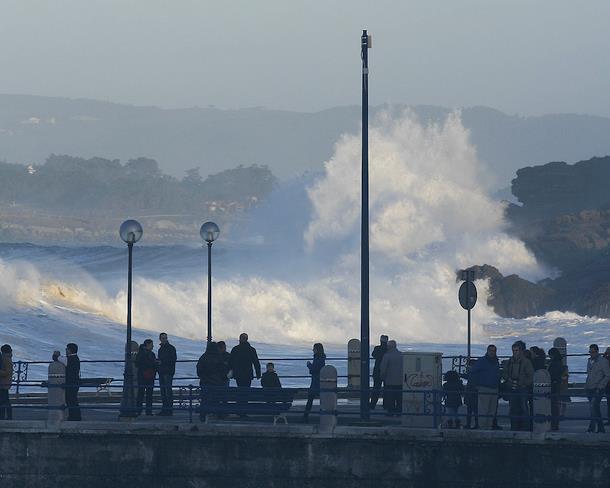 Imagen de archivo de un temporal en Santander