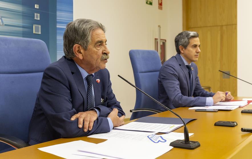 Miguel Ángel Revilla y Pablo Zuloaga. Foto: Gobierno de Cantabria