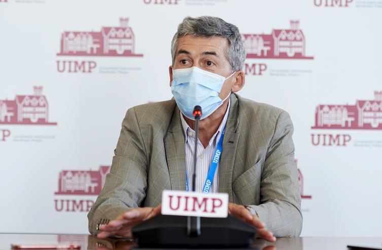 """Antonio Alcamí, virólogo: """"La detección del virus en el aire no es fácil, pero ya tenemos métodos que están funcionando"""""""