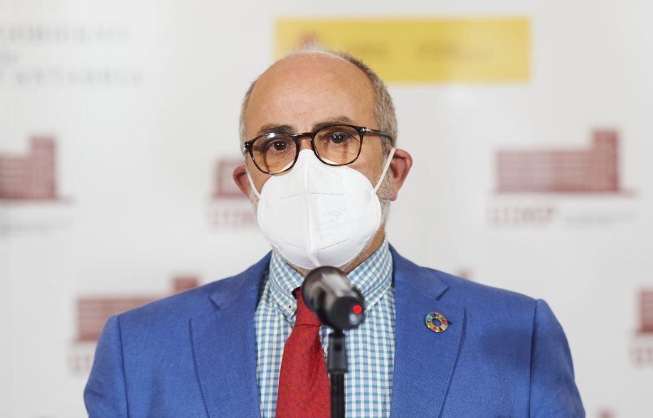 """Miguel Rodríguez, consejero de Sanidad de Cantabria, califica de """"preocupante"""" la evolución de la incidencia de covid en la región"""