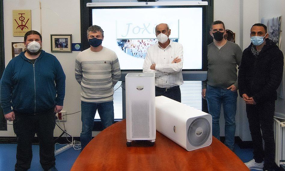 Investigadores UC-CIBER-BNN-Idival desarrollan un dispositivo fotónico para desactivar los virus de COVID-19